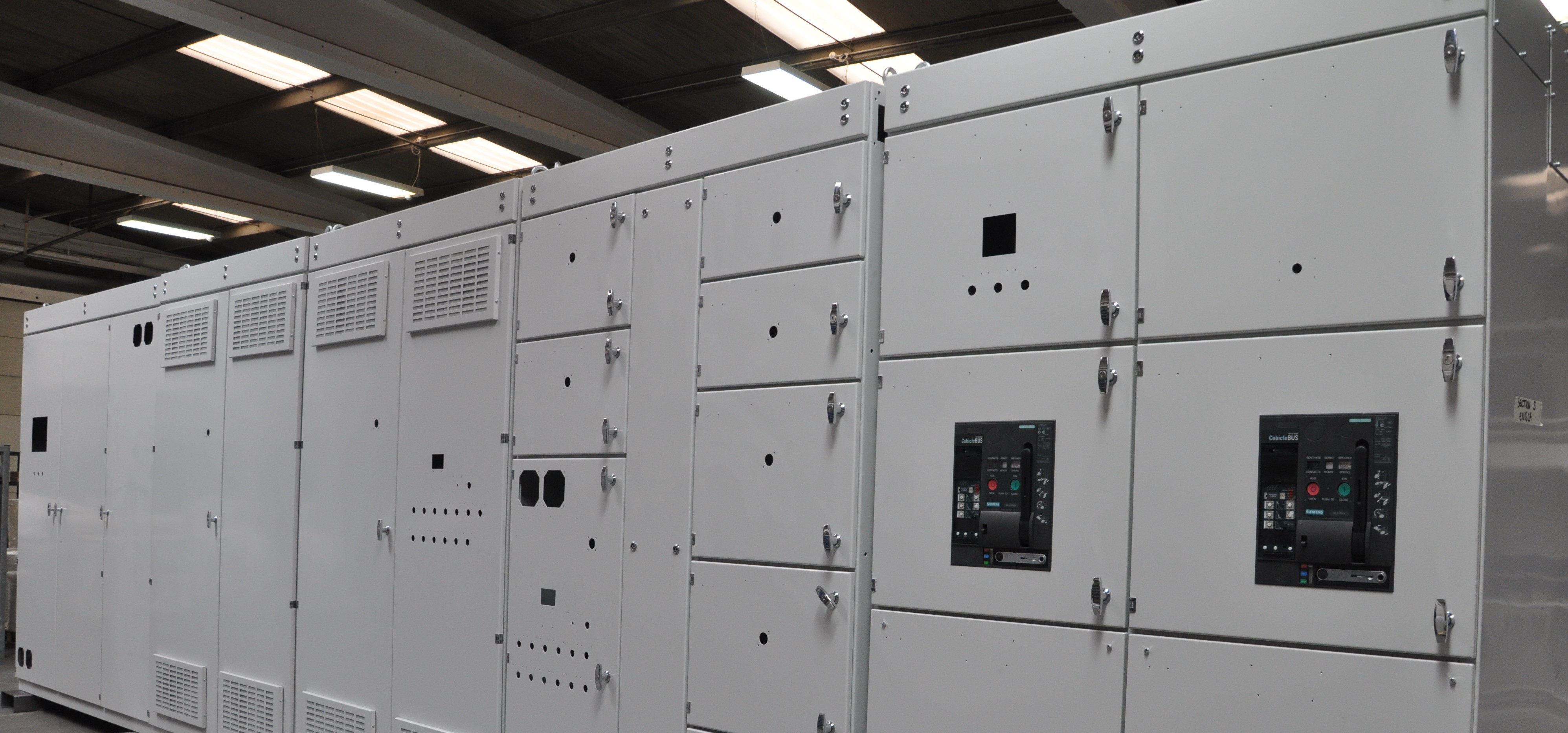 Low voltage switchboards and motor control centers adams for Low voltage motor control center